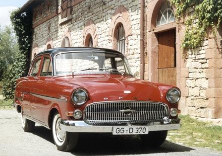 Kapitän 1956 - weinrot